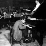 il leggendario sgabello di Glenn Gould