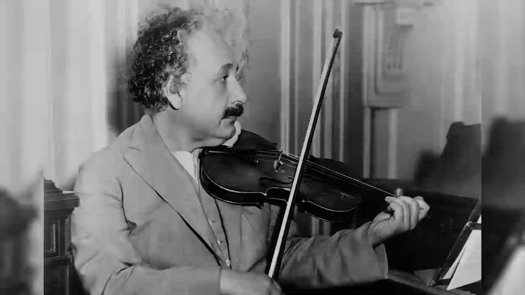einstein suona il violino