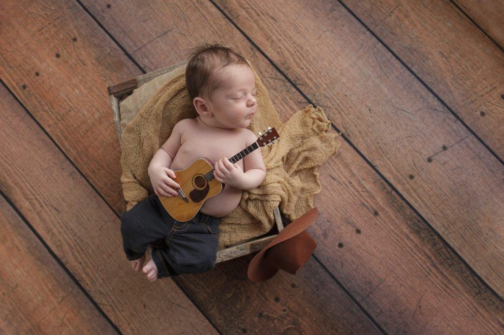 i neonati cresciuti e la musica